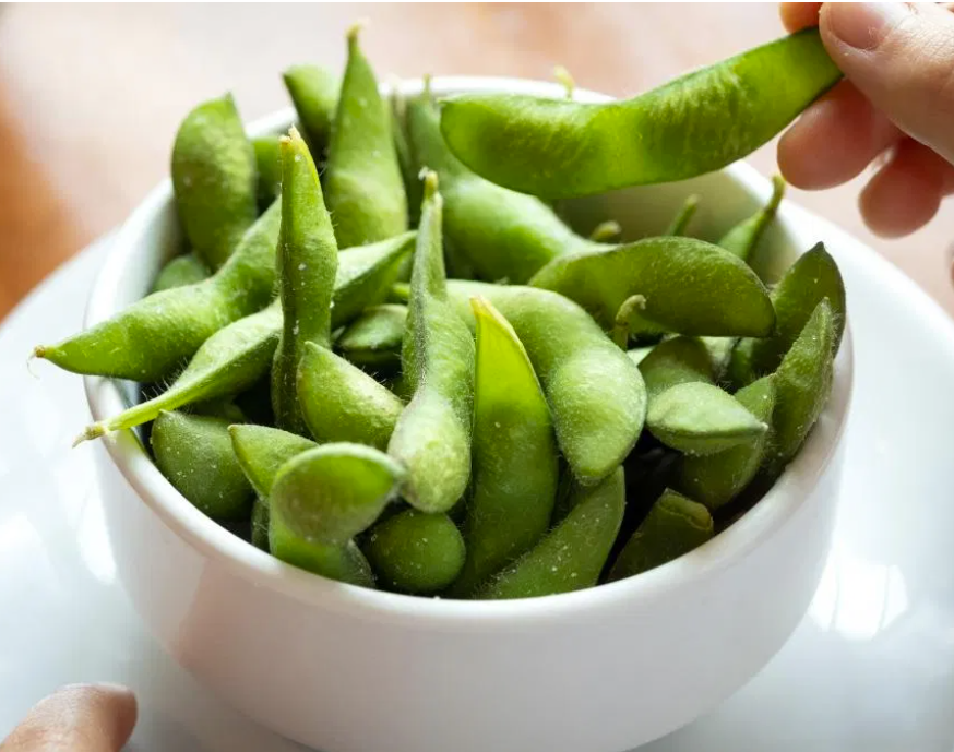 Edamame is a great protein source  - Healthy snacks for runners
